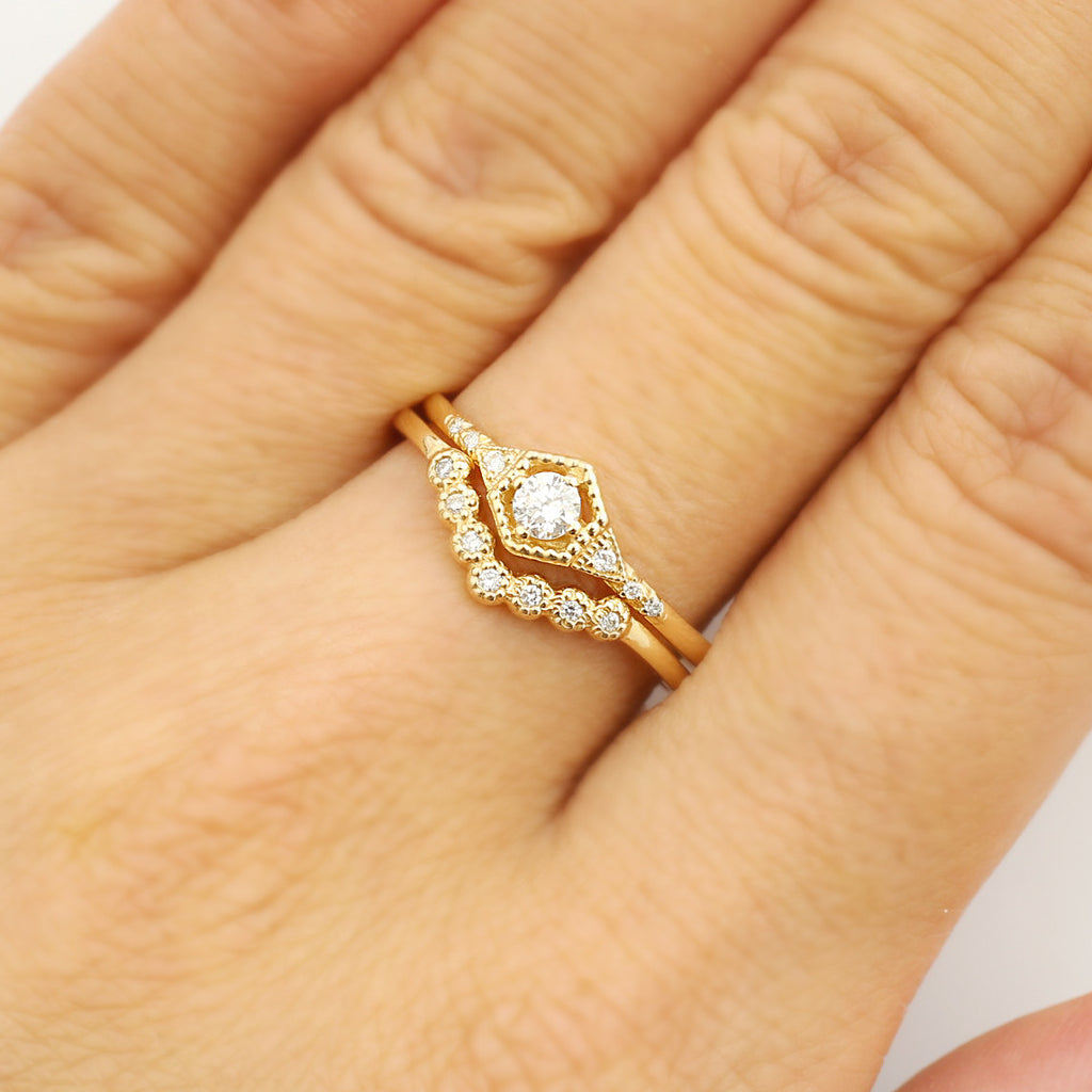 Curved Diamond Adore Ring