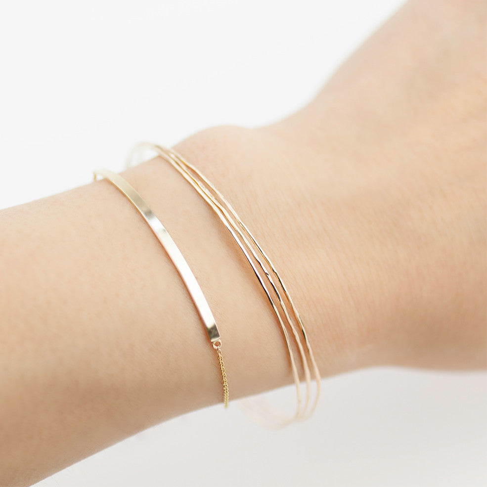 Gold Streaks Bar Bracelet (Engraving option)