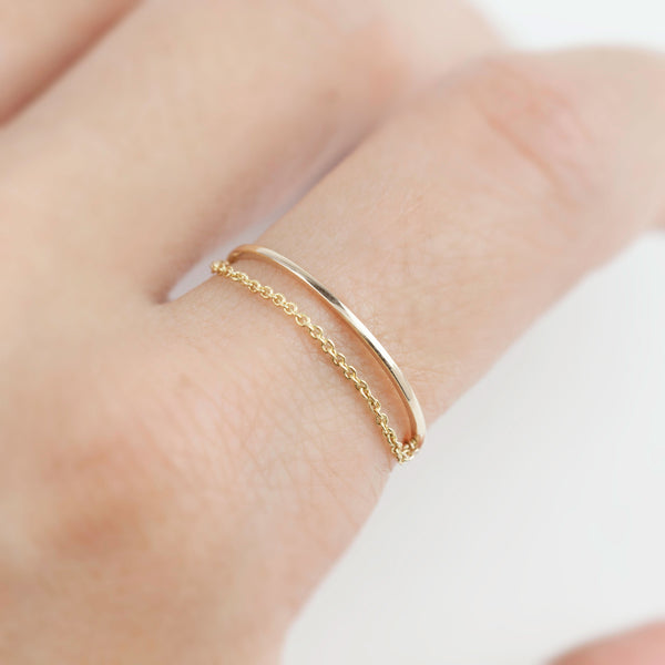 Gold Streaks Chain Ring