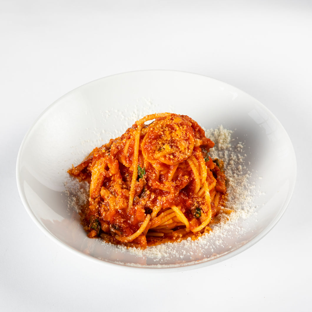 Bucatini all'amatriciana (pour 2 ou 4 personnes)
