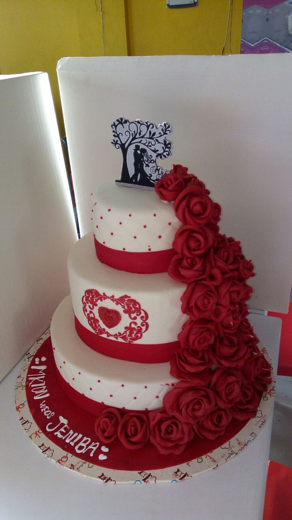 Rose petals couple cake 9kgwc108