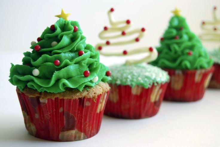 Christmas Cup Cakes - 9 Pieces