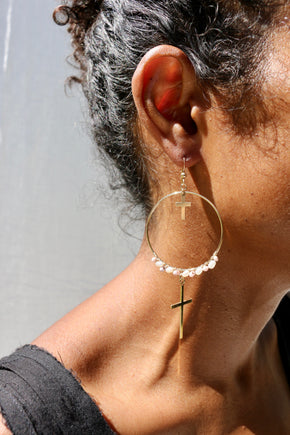 Model wearing the Santa Maria Earrings by Elvis et moi
