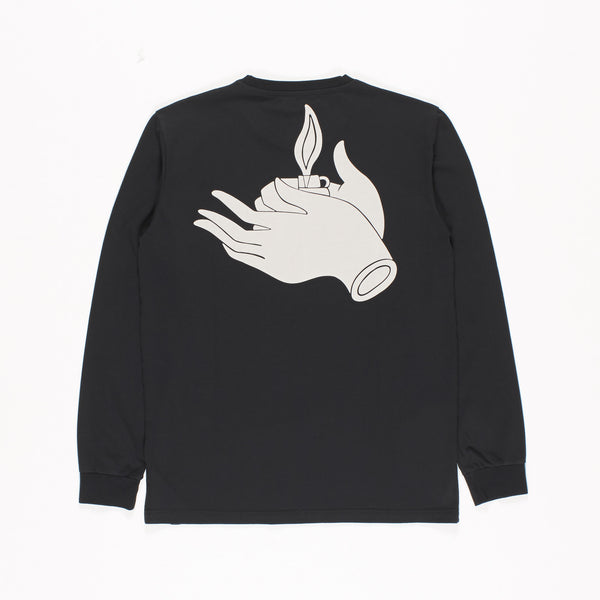 long sleeve t-shirt flame hold