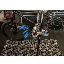 Load image into Gallery viewer, Tapis de sol Muc-Off Bike Mat