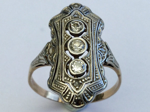 Antique Gold Ring with Diamonds