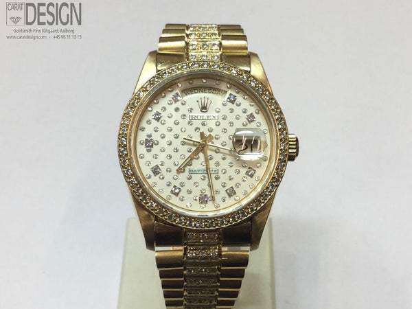Rolex DayDate 18k Diamond Set. Model 18238