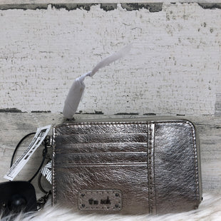 Primary Photo - BRAND: THE SAK STYLE: WRISTLET COLOR: SILVER SKU: 153-153154-619