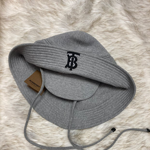 Primary Photo - BRAND: BURBERRY STYLE: HAT COLOR: GREY SKU: 153-153111-37446