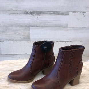 Primary Photo - BRAND: MAURICES STYLE: BOOTS ANKLE COLOR: BROWN SIZE: 7 SKU: 153-15320-69538