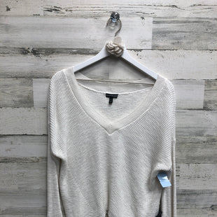 Primary Photo - BRAND: EXPRESS STYLE: SWEATER HEAVYWEIGHT COLOR: WHITE SIZE: XS SKU: 153-153173-7544
