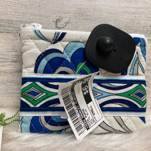 Primary Photo - BRAND: VERA BRADLEY CLASSIC STYLE: COIN PURSE COLOR: WHITE BLUE SIZE: SMALL OTHER INFO: NWT SKU: 153-15320-70731