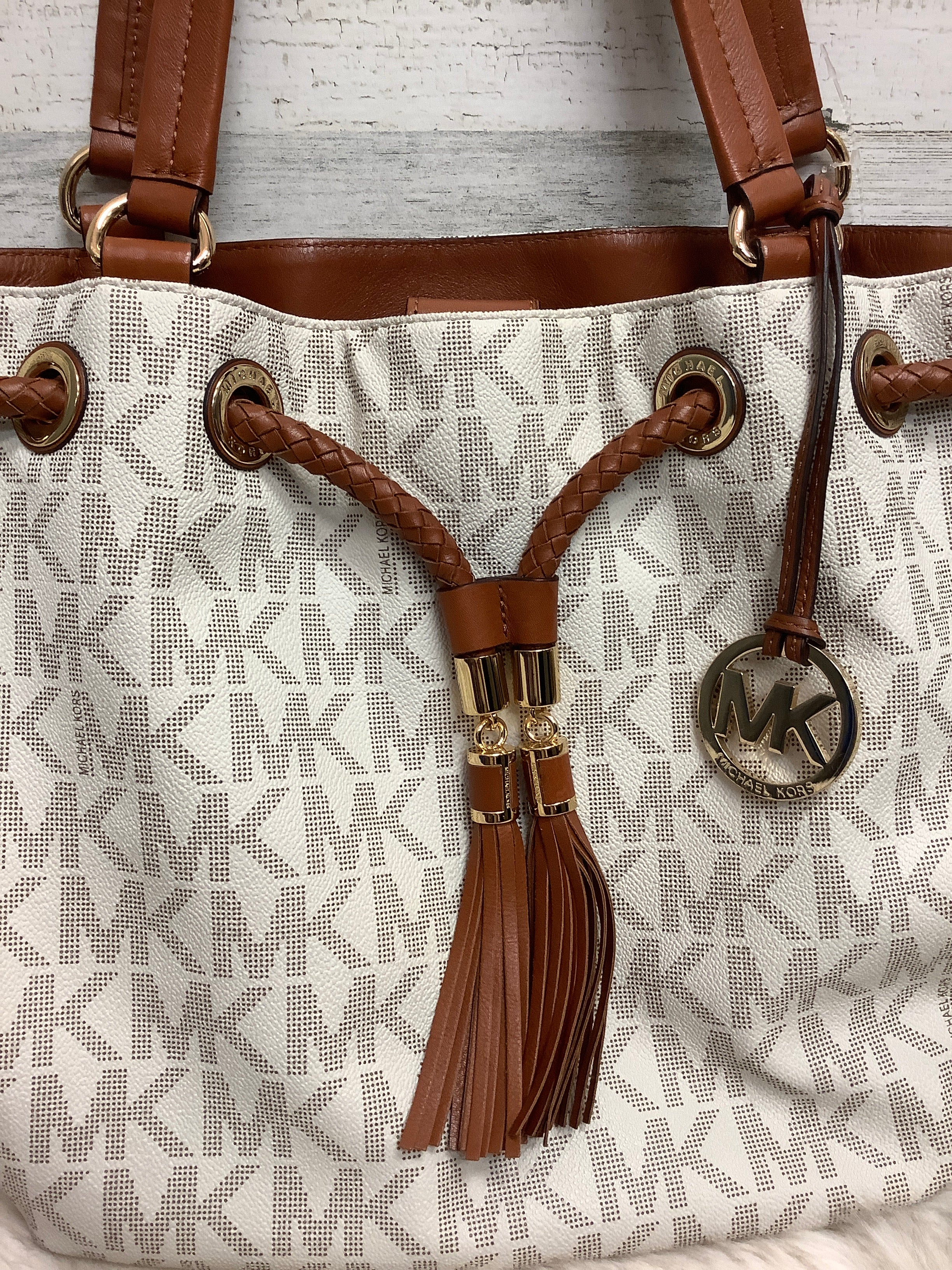 Photo #1 - BRAND: MICHAEL KORS <BR>STYLE: HANDBAG DESIGNER <BR>COLOR: WHITE <BR>SIZE: LARGE <BR>OTHER INFO: 30T3GTTT9B <BR>SKU: 153-15399-17329