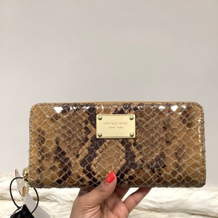 Primary Photo - BRAND: MICHAEL BY MICHAEL KORS STYLE: WALLET COLOR: BROWN SIZE: MEDIUM SKU: 153-15311-42251