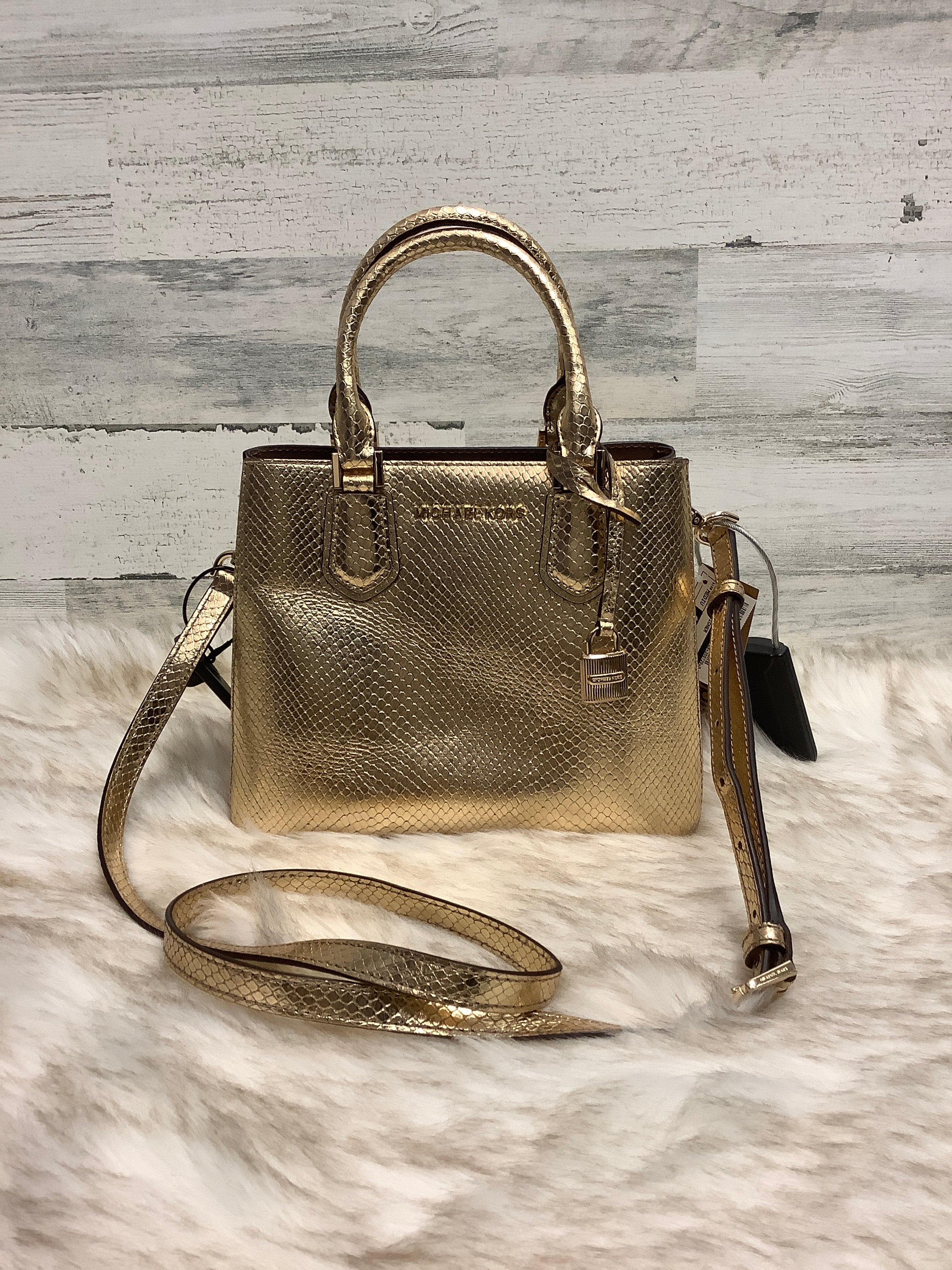 Primary Photo - BRAND: MICHAEL KORS <BR>STYLE: HANDBAG DESIGNER <BR>COLOR: GOLD <BR>SIZE: MEDIUM <BR>OTHER INFO: AS IS <BR>SKU: 153-153173-1461