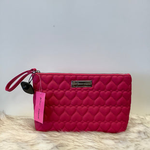 Primary Photo - BRAND: BETSY JOHNSON STYLE: WRISTLET COLOR: PINK SKU: 153-153164-5547