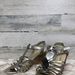 Primary Photo - BRAND: ISAAC MIZRAHI LIVE QVC STYLE: SANDALS HIGH COLOR: GOLD SIZE: 9.5 SKU: 153-15320-78595