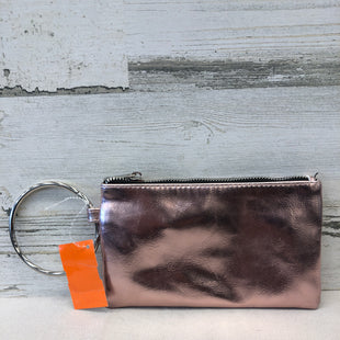Primary Photo - BRAND:    CLOTHES MENTOR STYLE: WRISTLET COLOR: PINK SKU: 153-15320-65007