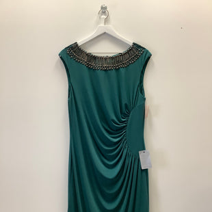 Primary Photo - BRAND: ADRIANNA PAPELL STYLE: DRESS SHORT SLEEVELESS COLOR: GREEN SIZE: 1X SKU: 153-15320-84266