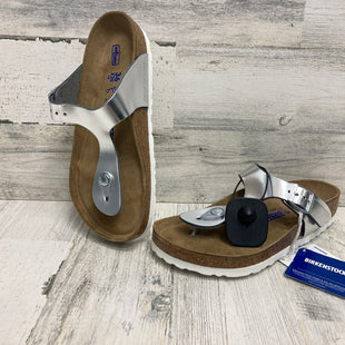 Primary Photo - BRAND: BIRKENSTOCK STYLE: SANDALS FLAT COLOR: SILVER SIZE: 6 SKU: 153-153111-37608