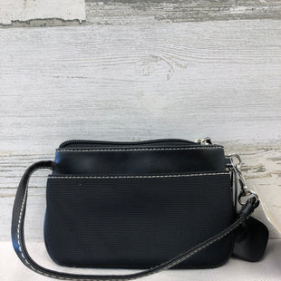 Primary Photo - BRAND: VILLAGER BY LIZ CLAIBORNE STYLE: WRISTLET COLOR: BLACK SKU: 153-15320-70215