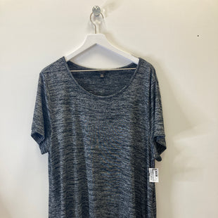 Primary Photo - BRAND: BANANA REPUBLIC STYLE: TOP SHORT SLEEVE COLOR: GREY SIZE: 2X SKU: 153-153173-11521