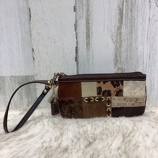Primary Photo - BRAND: COACH STYLE: WRISTLET COLOR: BROWN SKU: 153-153131-18539