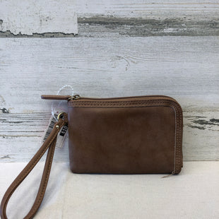 Primary Photo - BRAND: MAURICES STYLE: WRISTLET COLOR: BROWN SKU: 153-153164-10512
