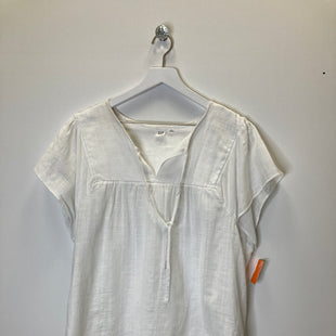 Primary Photo - BRAND: GAP STYLE: TOP SHORT SLEEVE COLOR: WHITE SIZE: 2X SKU: 153-153173-13009