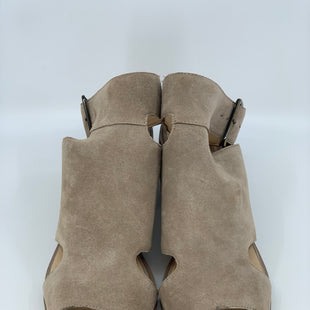 Primary Photo - BRAND: SOLE SOCIETY STYLE: SANDALS COLOR: TAN SIZE: 9.5 SKU: 315-31513-58381