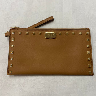 Primary Photo - BRAND: MICHAEL KORS STYLE: WRISTLET COLOR: CAMEL SIZE: M SKU: 194-194197-13179