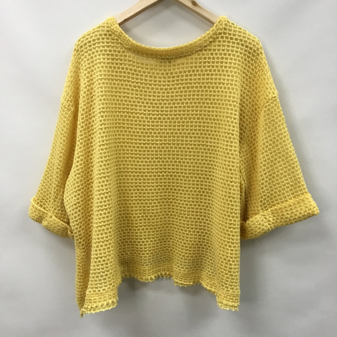 Photo #1 - BRAND: UMGEE <BR>STYLE: TOP SHORT SLEEVE <BR>COLOR: YELLOW <BR>SIZE: S <BR>SKU: 194-194167-33421