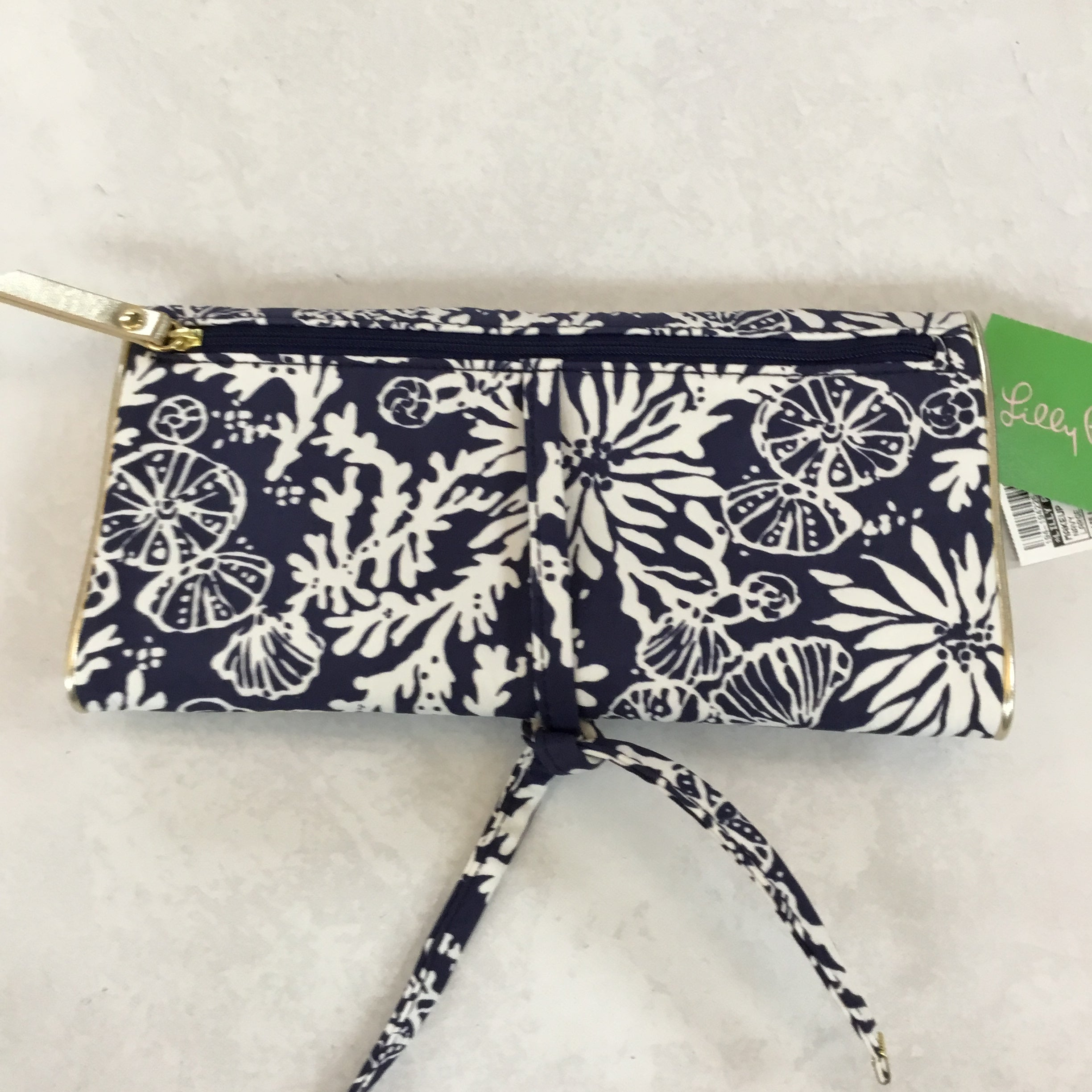 Photo #1 - BRAND: LILLY PULITZER <BR>STYLE: MAKEUP BAG <BR>COLOR: NAVY <BR>SIZE: LARGE <BR>SKU: 194-194225-2336