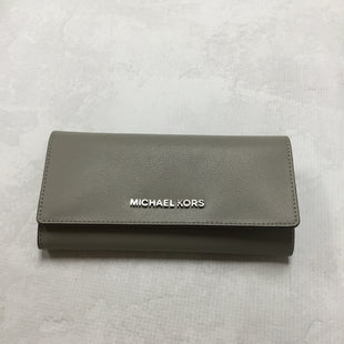 Primary Photo - BRAND: MICHAEL KORS STYLE: WALLET COLOR: GREY SIZE: LARGE OTHER INFO: 8 X 1.5 X 4 INCHES SKU: 194-194194-6515