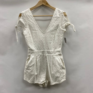Primary Photo - BRAND: EXPRESS STYLE: DRESS SHORT SLEEVELESS COLOR: WHITE SIZE: 4SKU: 194-194225-3931
