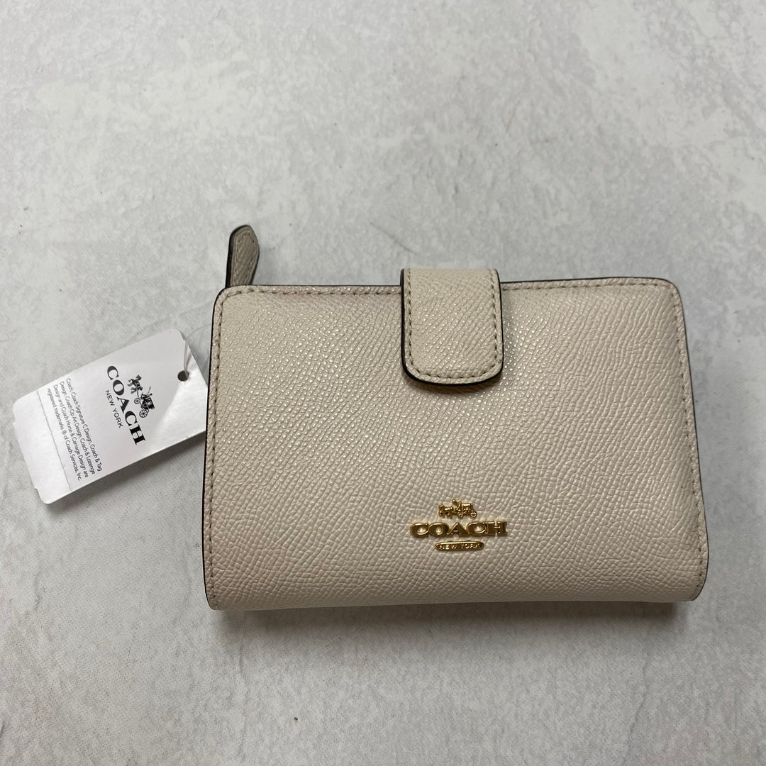 Primary Photo - BRAND: COACH <BR>STYLE: WALLET <BR>COLOR: WHITE <BR>SIZE: SMALL <BR>SKU: 194-194167-33982