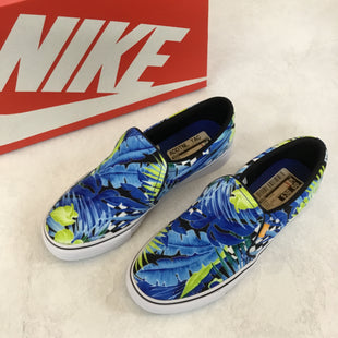 Primary Photo - BRAND: NIKE STYLE: SHOES FLATS COLOR: BLUE SIZE: 7 OTHER INFO: NEW! COURT ROYALE SKU: 194-194183-22490