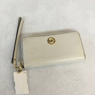 Primary Photo - BRAND: MICHAEL BY MICHAEL KORS STYLE: WRISTLET COLOR: OFF WHITE SKU: 194-194167-28262