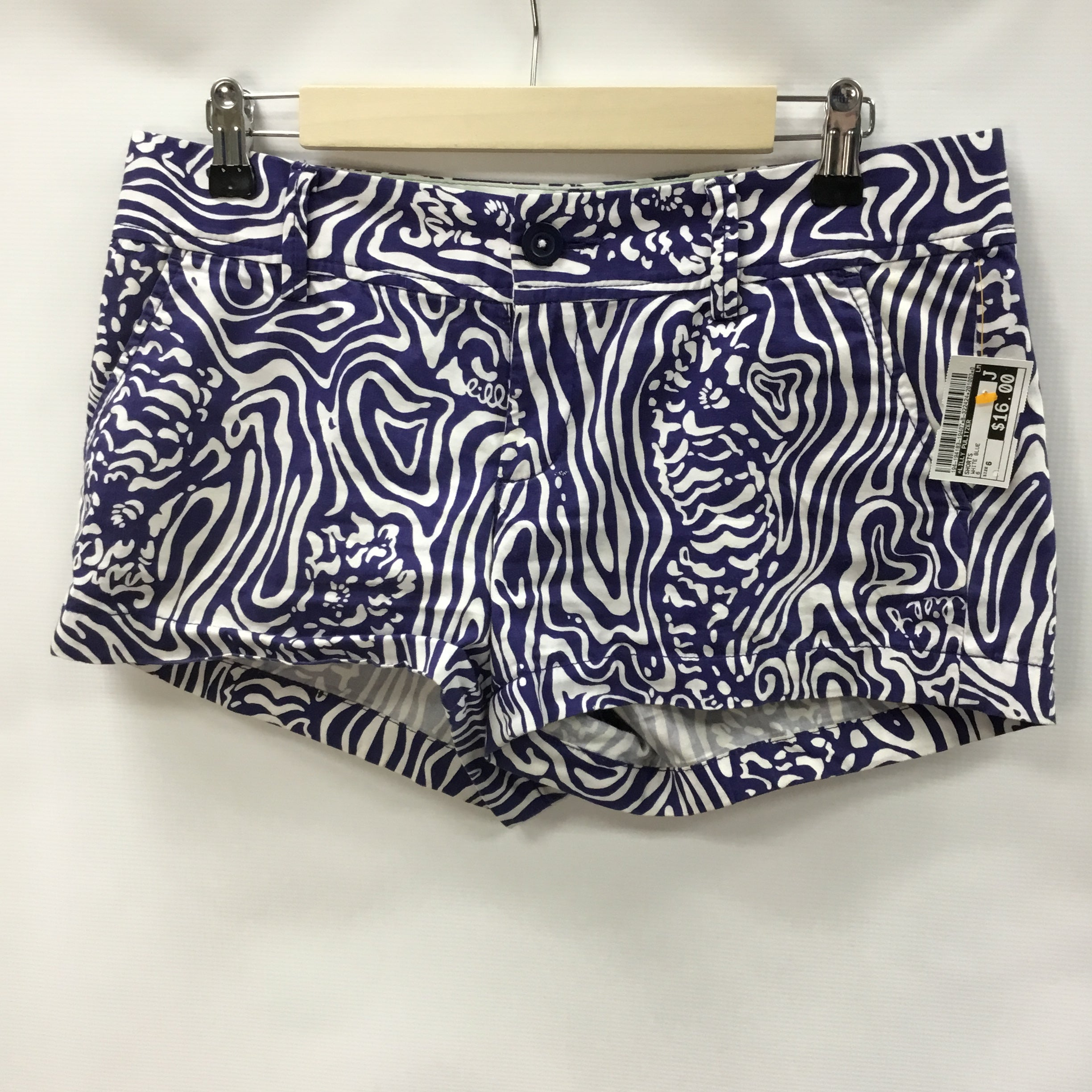 Primary Photo - BRAND: LILLY PULITZER <BR>STYLE: SHORTS <BR>COLOR: WHITE BLUE <BR>SIZE: 6 <BR>SKU: 194-194183-19407