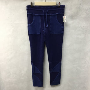 Primary Photo - BRAND: FREE PEOPLE STYLE: ATHLETIC PANTS COLOR: BLUE SIZE: L SKU: 194-194220-5413