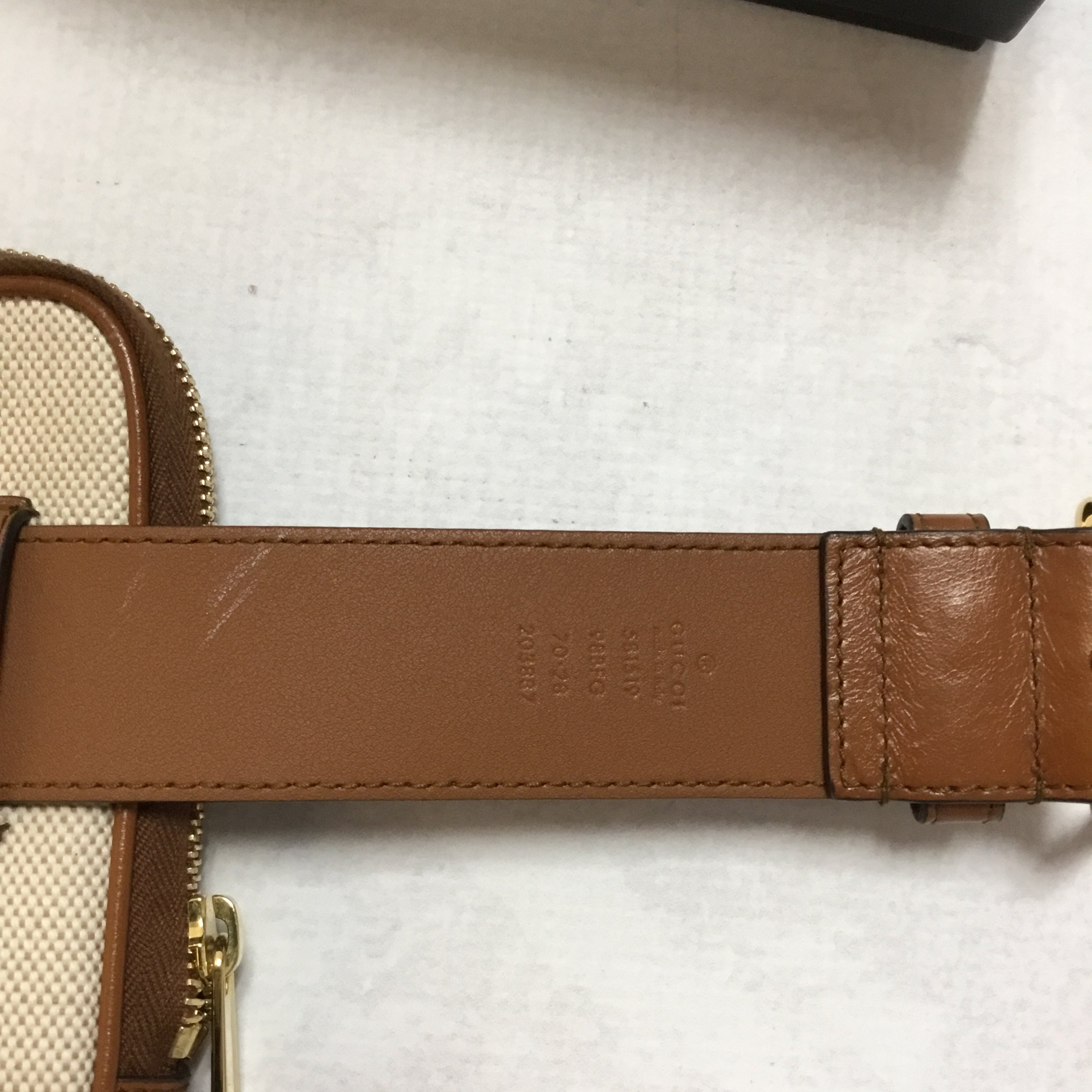 Photo #2 - BRAND: GUCCI <BR>STYLE: HANDBAG DESIGNER <BR>COLOR: IVORY <BR>SIZE: SMALL <BR>OTHER INFO: CANVAS BELTED IPHONE CASE <BR>SKU: 194-19414-36992<BR>70*28<BR>COMES WITH BOX AND DUST BAG