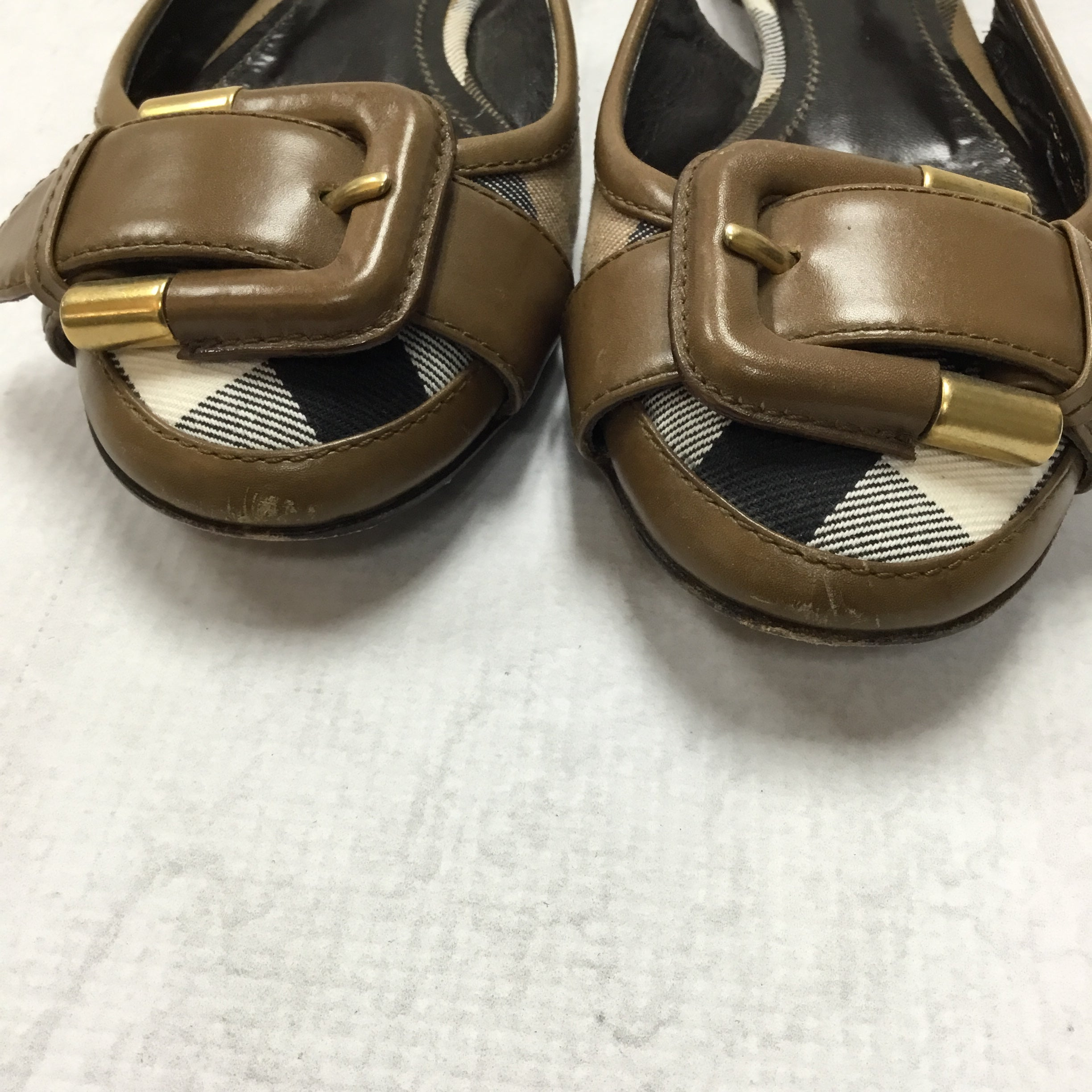 Photo #4 - BRAND: BURBERRY <BR>STYLE: SHOES FLATS <BR>COLOR: BURBERRY PLAID <BR>SIZE: 5 <BR>OTHER INFO: AS IS <BR>SKU: 194-194194-6793