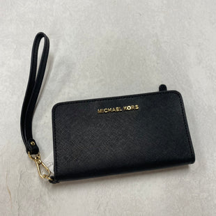 Primary Photo - BRAND: MICHAEL BY MICHAEL KORS STYLE: WRISTLET COLOR: BLACK SKU: 194-194167-33979