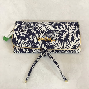 Primary Photo - BRAND: LILLY PULITZER STYLE: MAKEUP BAG COLOR: NAVY SIZE: LARGE SKU: 194-194225-2336