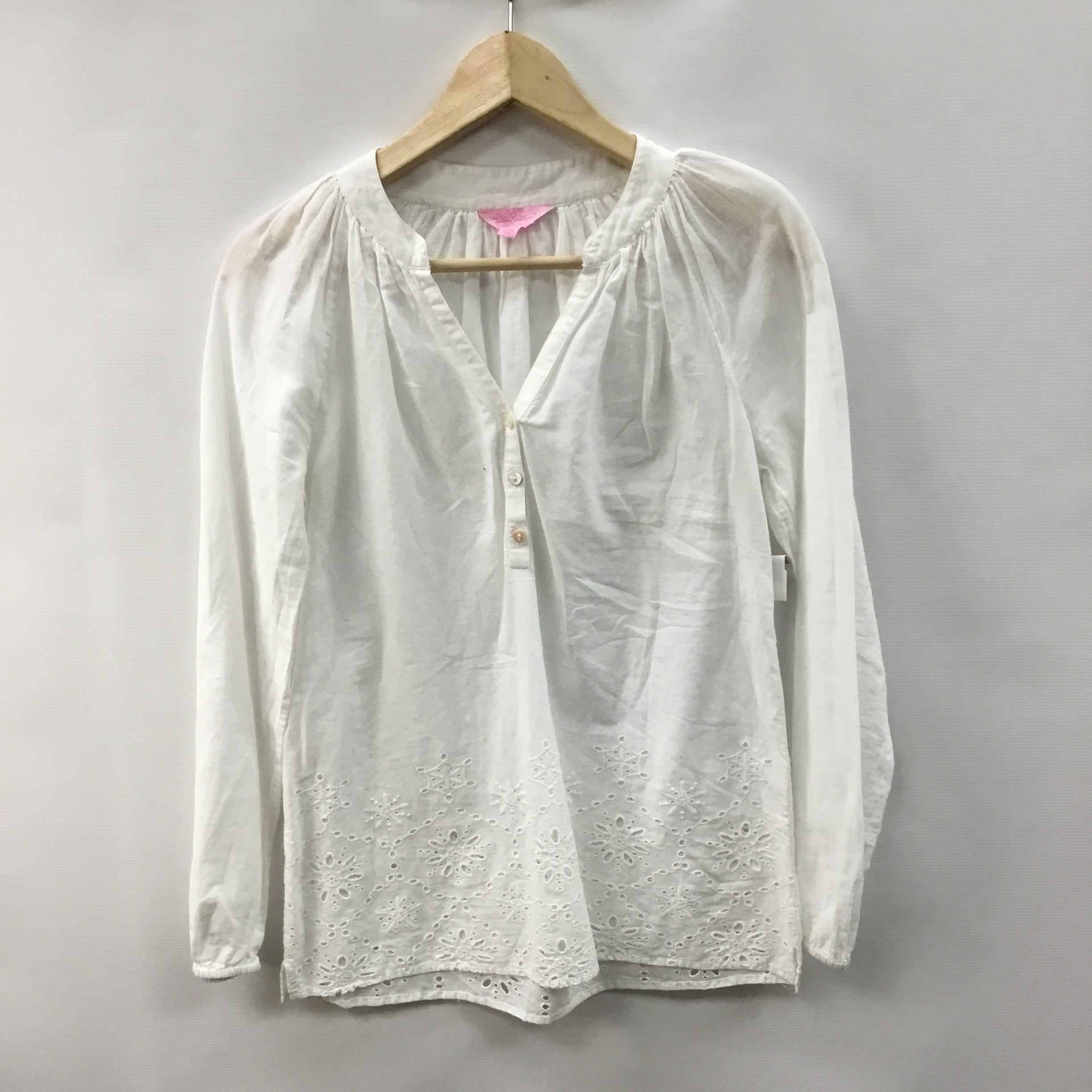Primary Photo - BRAND: LILLY PULITZER <BR>STYLE: TOP LONG SLEEVE <BR>COLOR: WHITE <BR>SIZE: XXS <BR>SKU: 194-194198-19011
