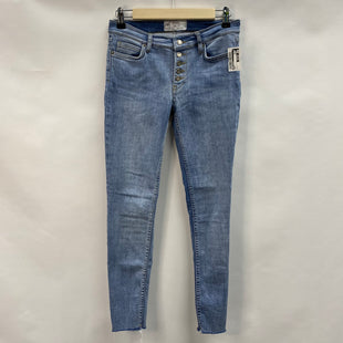 Primary Photo - BRAND: FREE PEOPLE STYLE: JEANS COLOR: DENIM SIZE: 4 SKU: 194-194238-820