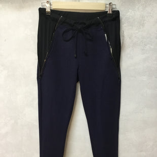 Primary Photo - BRAND:    CLOTHES MENTOR STYLE: ATHLETIC PANTS COLOR: NAVY SIZE: XS OTHER INFO: KORAL - NEW! SKU: 194-194167-32336