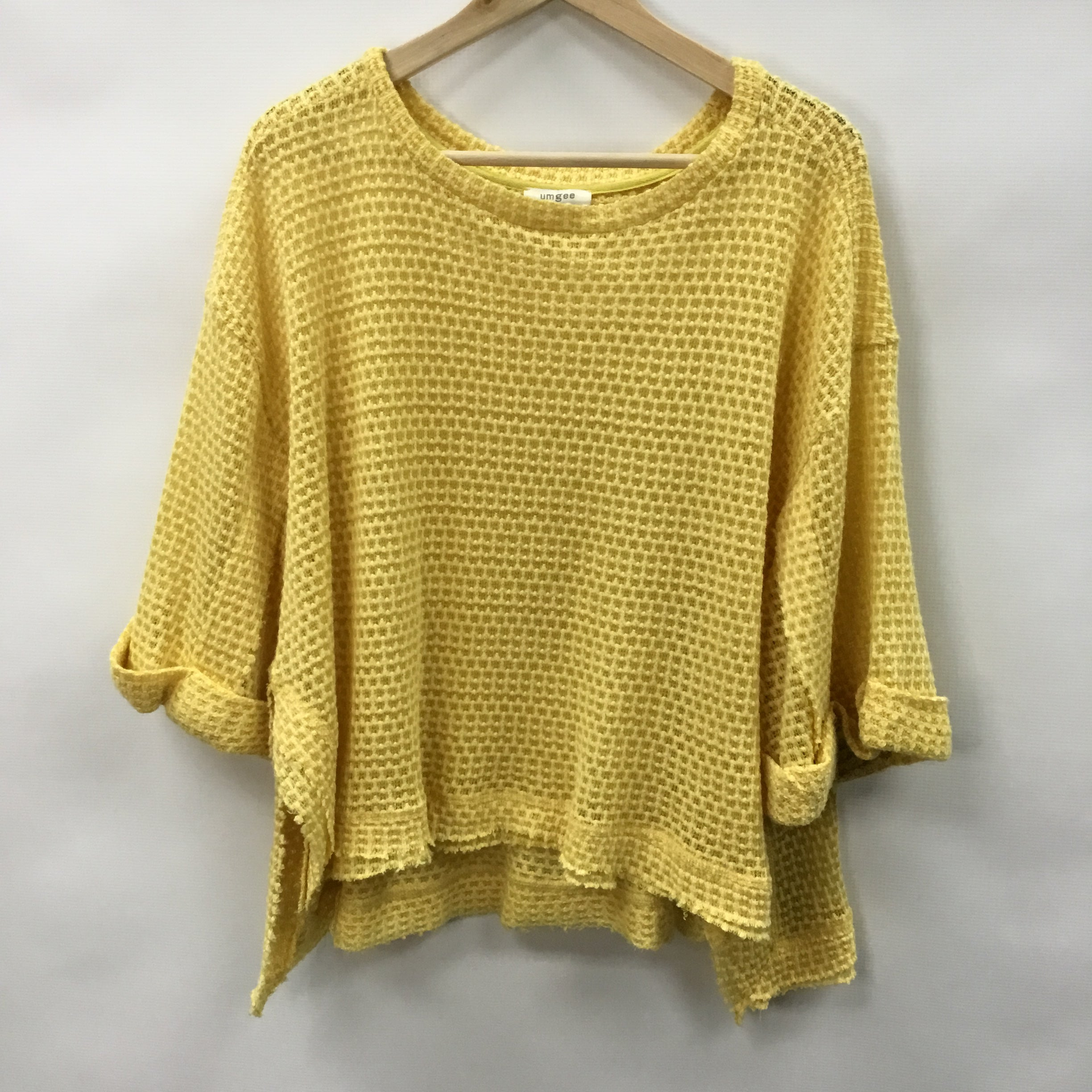 Primary Photo - BRAND: UMGEE <BR>STYLE: TOP SHORT SLEEVE <BR>COLOR: YELLOW <BR>SIZE: S <BR>SKU: 194-194167-33421