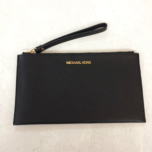 Primary Photo - BRAND: MICHAEL KORS STYLE: WRISTLET COLOR: BLACK SIZE: M SKU: 194-194220-4425