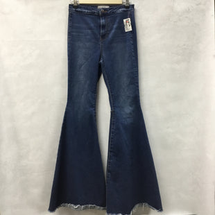 Primary Photo - BRAND: FREE PEOPLE STYLE: JEANS COLOR: DENIM SIZE: 4 OTHER INFO: BELL-BOTTOMS SKU: 194-194229-3396